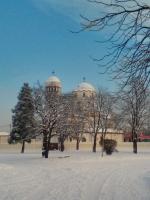 Храмът през зимата